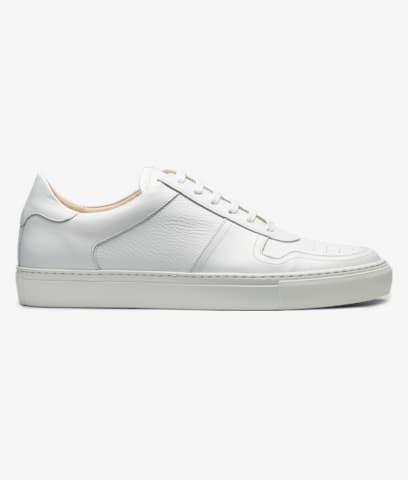 White_Sneakers_FW1435