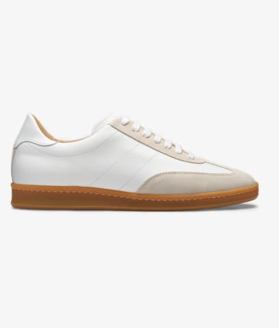 White_Sneakers_FW1437