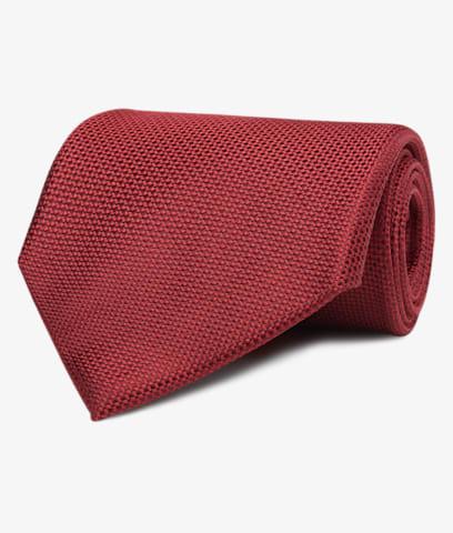 Red_Tie_D171094