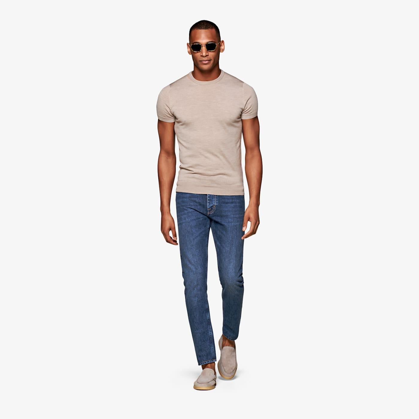 Artikel klicken und genauer betrachten! - Ein relaxter Look braucht eine 5-Pocket Blue Jeans wie diese: mit geradem schlanken Bein und Knopfleiste. Bitte wasche diese Jeans mit besonderer Sorgfalt, denn wie die meisten mit Indigo gefärbten Denimstoffe kann auch sie zum Ausbluten neigen. Den Stoff fertigt Candiani, gefeiert als eine der 'grünsten' Webereien der Welt.   im Online Shop kaufen