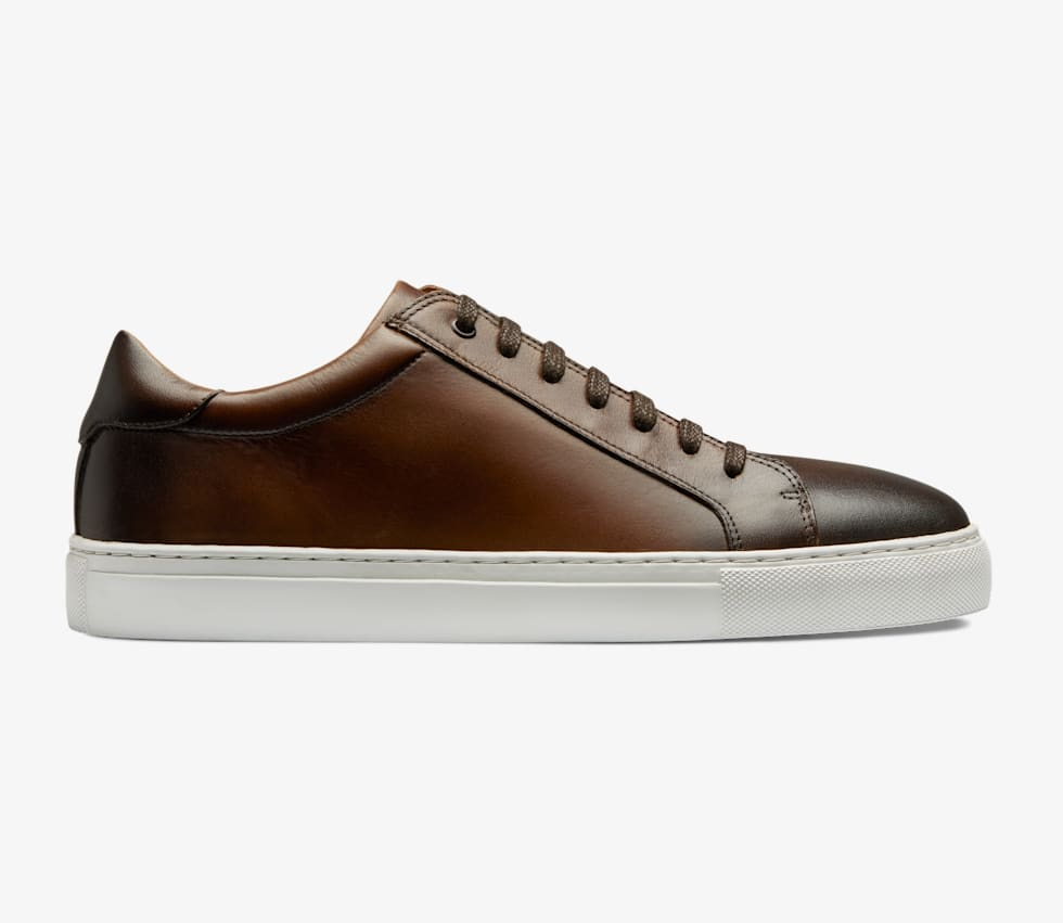 Brown_Sneakers_FW1443