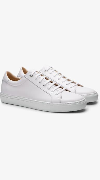 White_Sneakers_FW1404